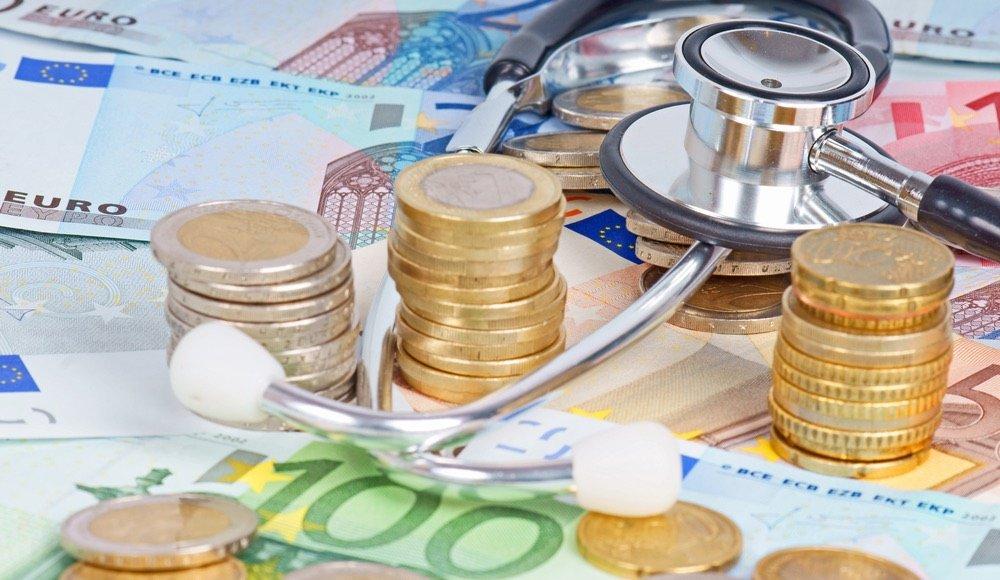 geld-krankenkasse-arzt